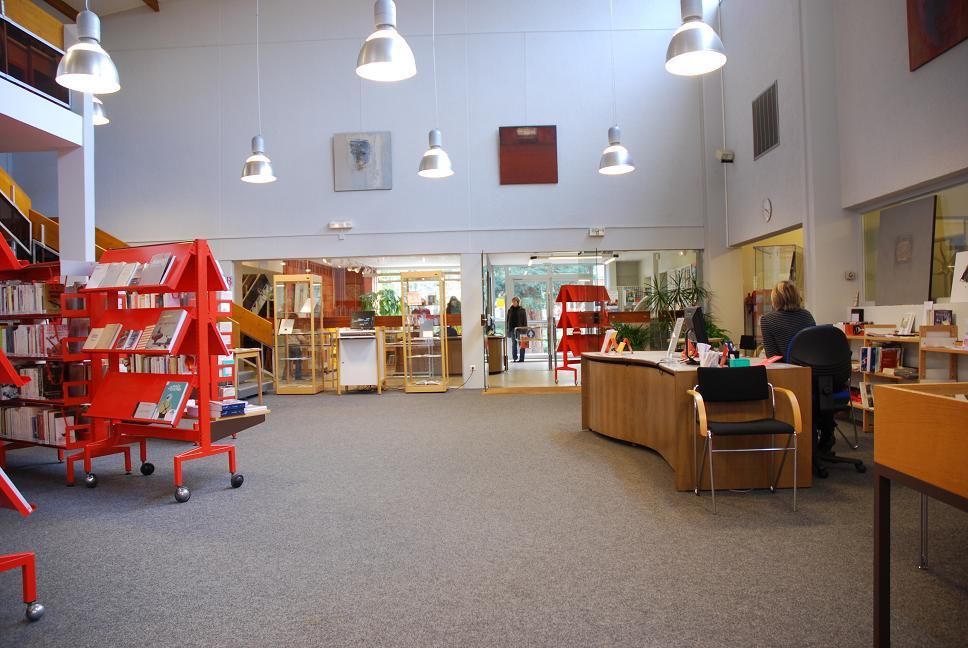 Section Adultes - bureau d'accueil, d'inscription et de renseignements